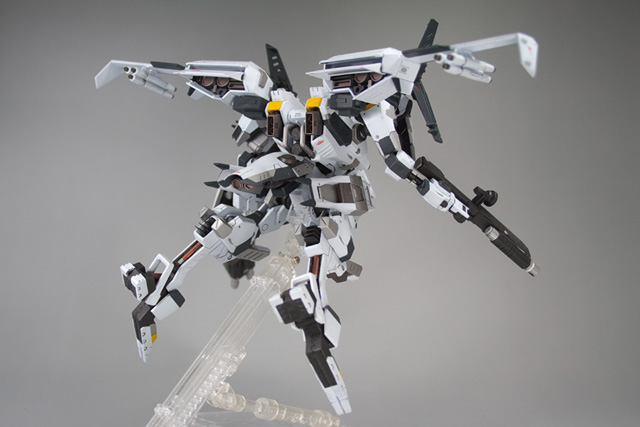 005 Now THATs an Armored Core: Cronus Custom VESTAL