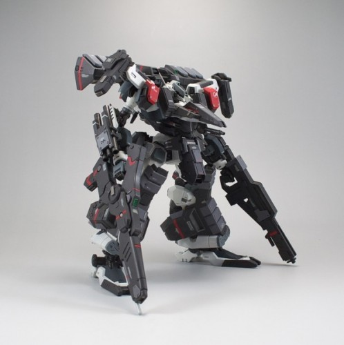 lrg705061724395 498x500 Now THATs an Armored Core: Guns VS. Missiles